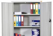 Wybieramy szafy biurowe metalowe – jakie czynniki należy wziąć pod uwagę